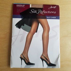 BRAND NEW - Hanes stockings - Size AB